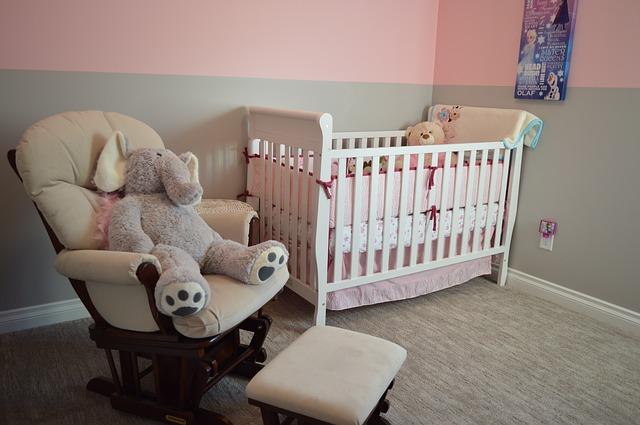 gniazdka w pokoju dziecięcym
